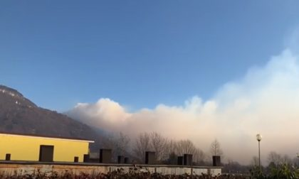 L'Alto Lago torna a bruciare: si è riacceso l'incendio sopra Sorico VIDEO