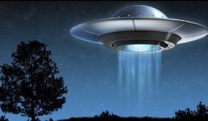 """""""Allarme Ufo"""" nei cieli del Nord Milano, ma era solo un aereo a bassa quota"""