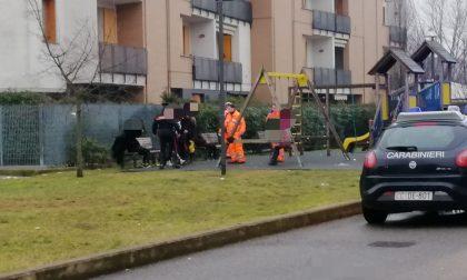 Ragazze minorenni ubriache al parchetto, arrivano ambulanza e carabinieri