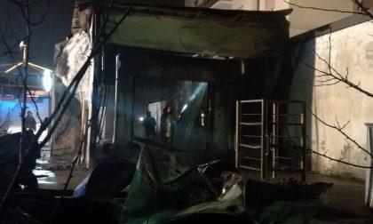 A Seregno vasto incendio distrugge l'autolavaggio FOTO
