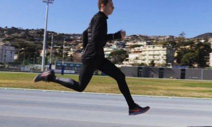 Il velocista Filippo Tortu corre sulla pista di Sanremo