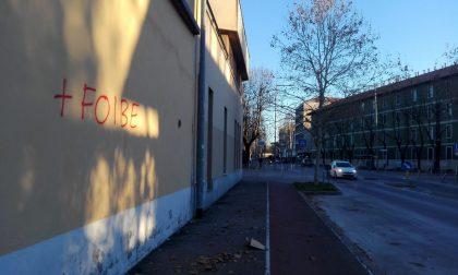 L'odio sui muri di Monza | Scritte che inneggiano alle Foibe FOTO
