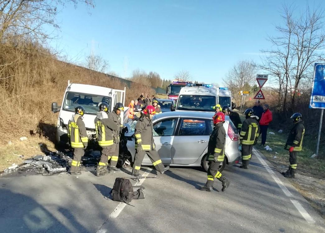 Grave incidente sulla strada provinciale 135 Canonica-Peregallo FOTO