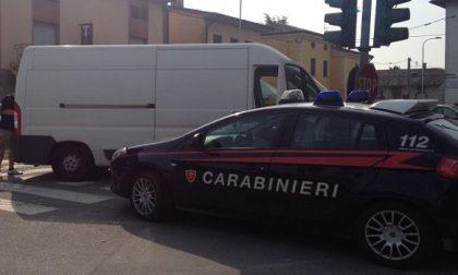 Carate, banditi assaltano furgone delle sigarette