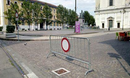 """""""Transenne pericolose in piazza, vanno tolte"""""""