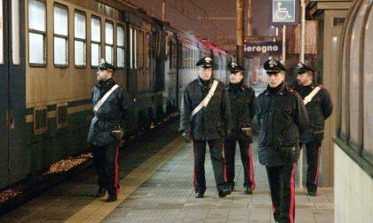 Rapinato in stazione e minacciato con una tenaglia a Seregno