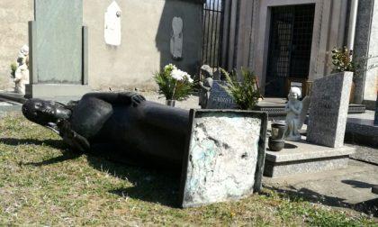 Depredate oltre venti tombe al cimitero