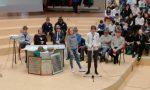 Gli Alpini di Monza premiano gli studenti di Cornate