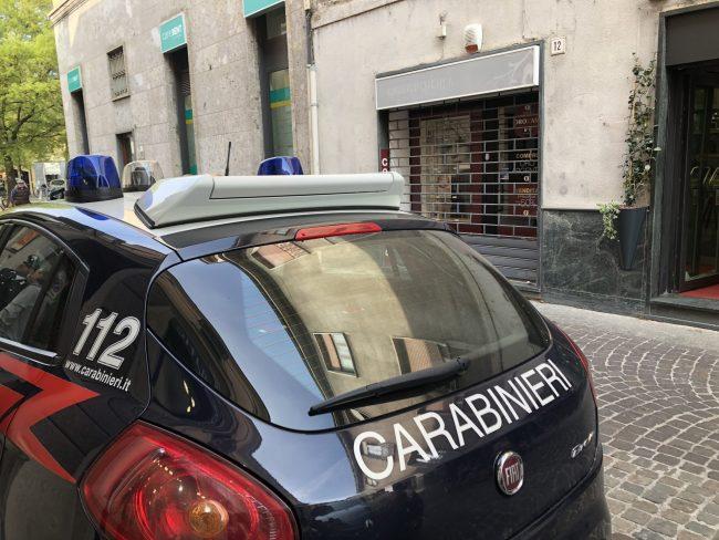 Ladro di auto finisce nella rete dei carabinieri