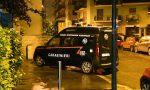 Donna uccisa in casa: Carabinieri cercano ancora il figlio