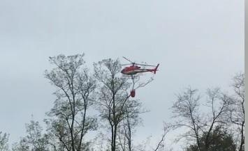 Incendio nei boschi di Sant&#8217&#x3B;Andrea, pompieri in azione con l&#8217&#x3B;elicottero FOTO