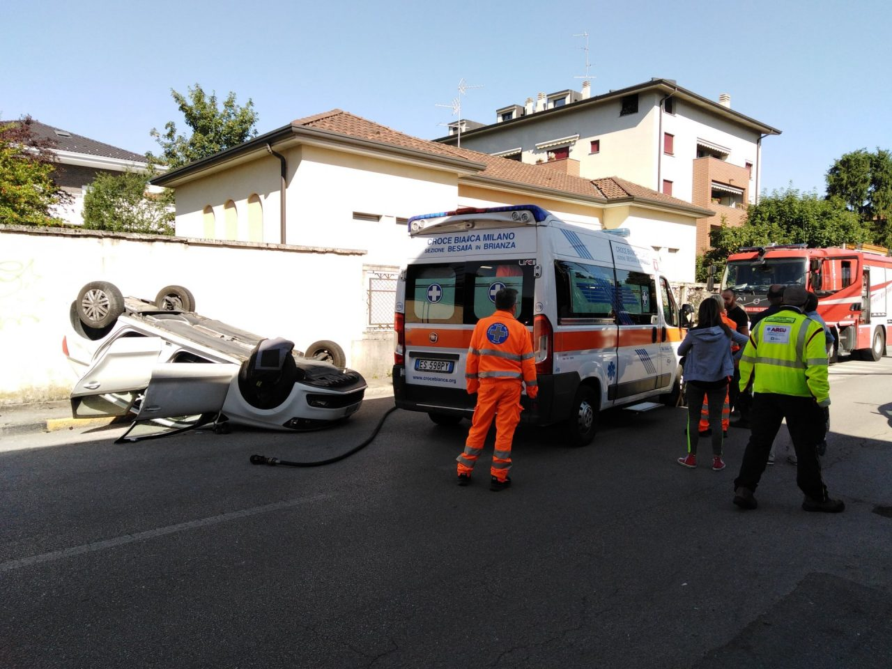 Lissone schianto tra auto via Mazzini