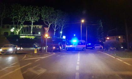 Cinque giovani coinvolti in un incidente a Lesmo SIRENE DI NOTTE