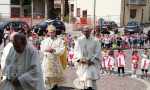 L'Arcivescovo Mario Delpini festeggia con Don Camillo