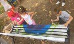 I bambini colorano le panchine del parco FOTOGALLERY