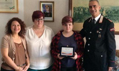 Gaia sogna di diventare carabiniere: a lei la borsa di studio viene consegnata… in caserma