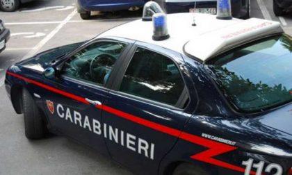 Evade dai domiciliari e sotto l'effetto di alcol strattona i Carabinieri, arrestato
