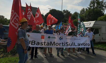 Presidio (con flash mob) dei sindacati per dire basta morti sul lavoro