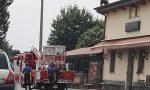 Sale sul tetto della pizzeria per protesta dopo la chiusura FOTO VIDEO