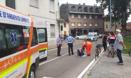 Malore mentre pedala, 85enne finisce in ospedale