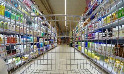 Niente vendita di carta igienica al supermercato: il prefetto ora la permette
