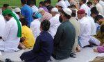 Musulmani in preghiera in oratorio