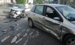 Auto sfasciate dopo lo scontro all'incrocio FOTO