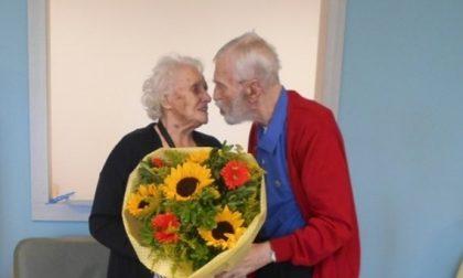 Anniversario Di Matrimonio 65 Anni.Festeggiano 65 Anni Di Matrimonio In Casa Di Riposo Prima Monza