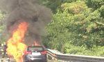 Auto a fuoco lungo la Statale 36 FOTO