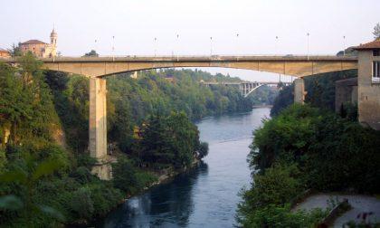 Il cadavere di un uomo è stato ripescato dal fiume a Trezzo