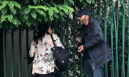 Striscia a Monza: Laudadio insegue una donna – VIDEO
