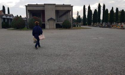 Arcore, donna scippata della borsetta al cimitero