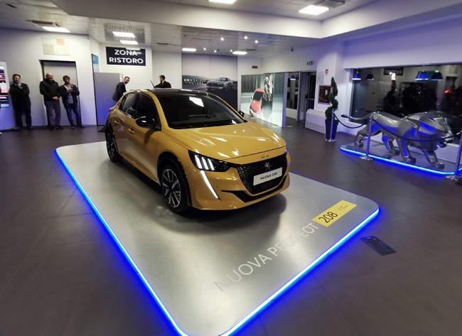 Rivoluzione Peugeot, grande festa per la Nuova 208