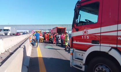 Traffico bloccato sulla Milano-Torino per un incidente FOTO