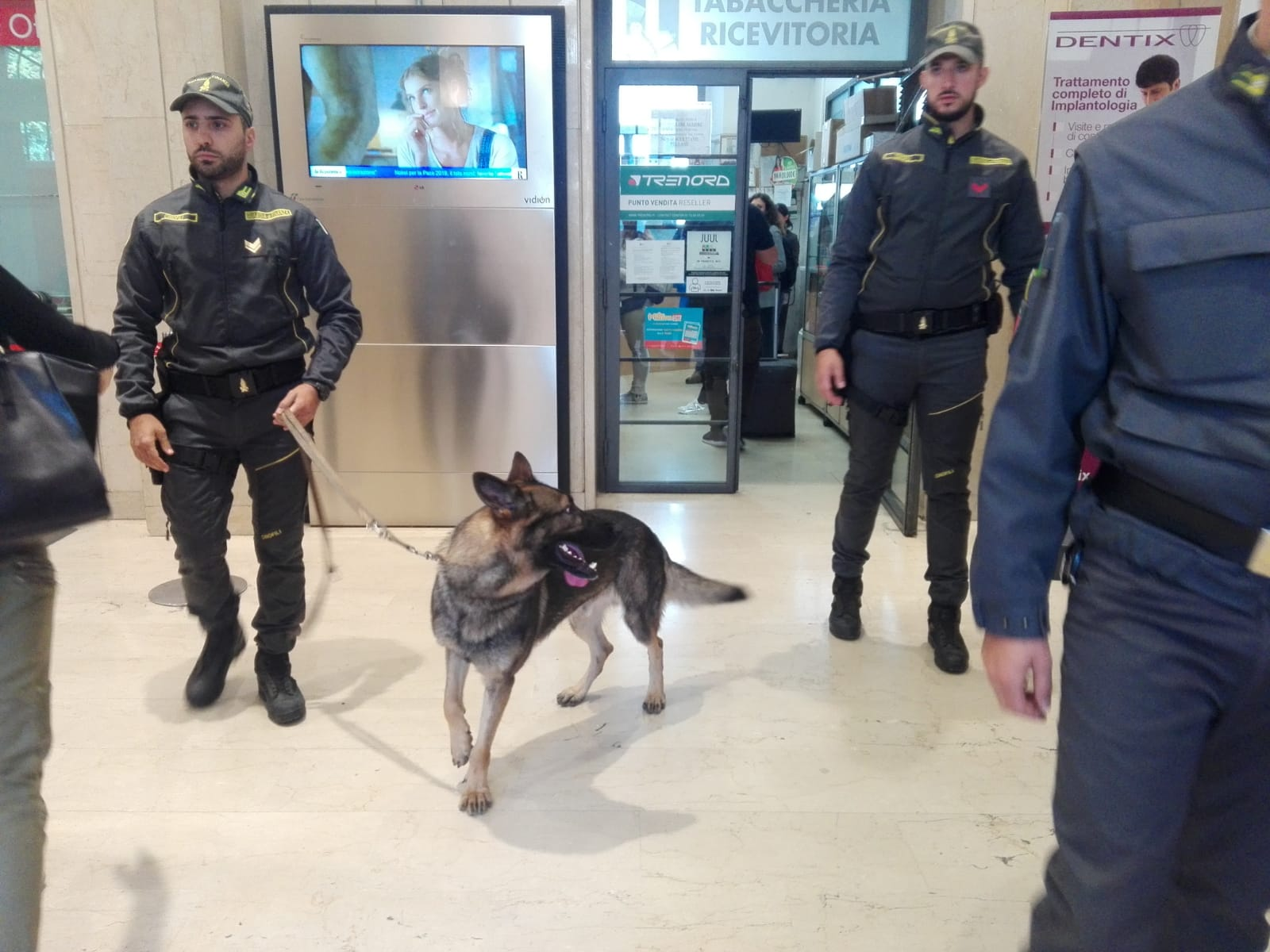 Guardia di Finanza Monza, controlli antidroga in città VIDEO