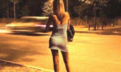 Accompagnava le prostitute «al lavoro», pensionato denunciato