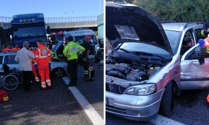 Camion contro auto: incidente Statale 36 Valassina, lunghe code da Lecco verso Milano
