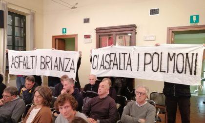 Asfalti Brianza, la protesta dei Comitati torna in Consiglio comunale