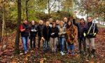 Armati di guanti e attrezzi hanno pulito il bosco