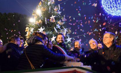 Inaugurato a Carate il Villaggio di Natale: bancarelle e tanti eventi fino al 12 gennaio FOTO