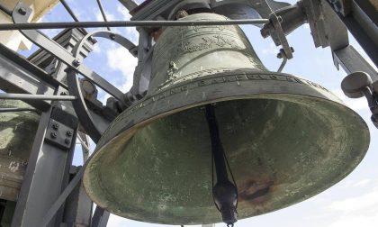 Coronavirus, flash mob a Veduggio: il parroco fa suonare le campane