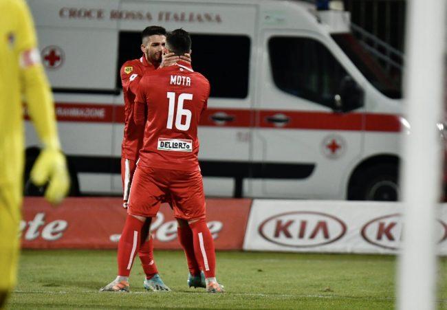 Monza-Pro Patria la partita in diretta, con due reti i biancorossi prendono il volo!
