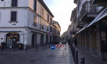 Coronavirus, in via Bergamo impazzano le passeggiate con Fido