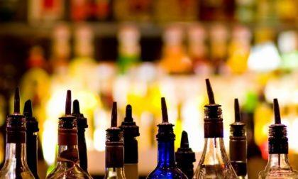 Coronavirus, ok all'apertura di bar e pub dopo le 18 ma con numero contingentato di persone