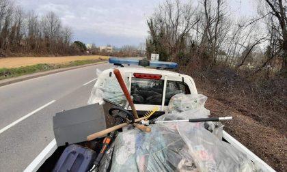 Tre ore per raccogliere tutti i rifiuti in strada