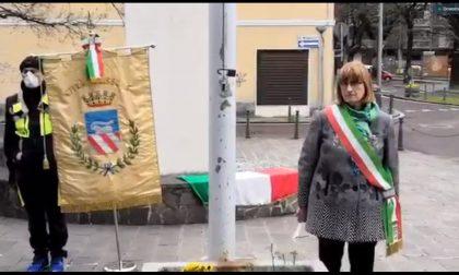 Coronavirus, bandiere a mezz'asta e minuto di silenzio – VIDEO