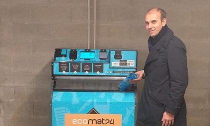 Coronavirus, a Meda distributori automatici dei sacchi blu e arancioni