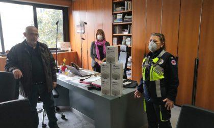 Generoso imprenditore dona mascherine alla sua città