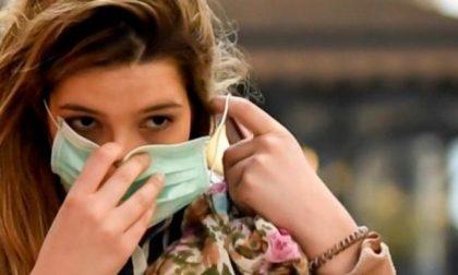 Lombardia: Fontana firma la nuova ordinanza. Stop alla mascherina all'aperto (se c'è il distanziamento)
