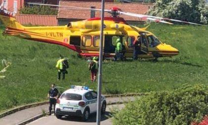 Bimba cade in casa e sbatte la testa: arrivano ambulanza ed elisoccorso